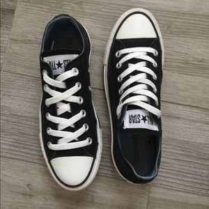 ba9ca000327 Women s Converse Shoes